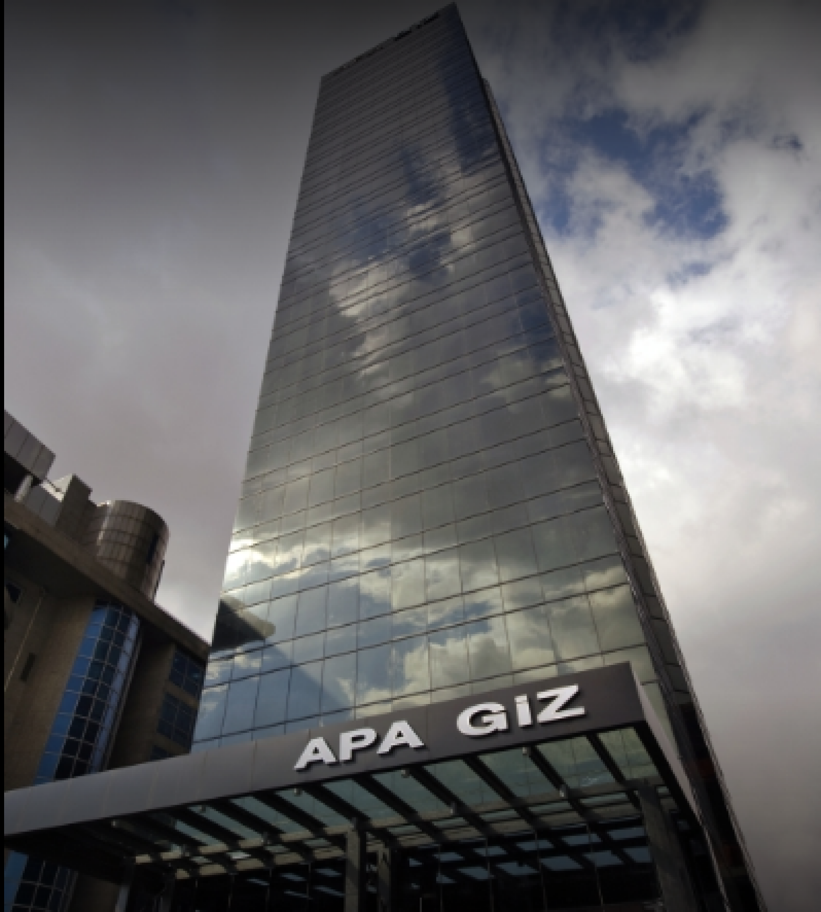 Vega/Apa Giz Plazaları